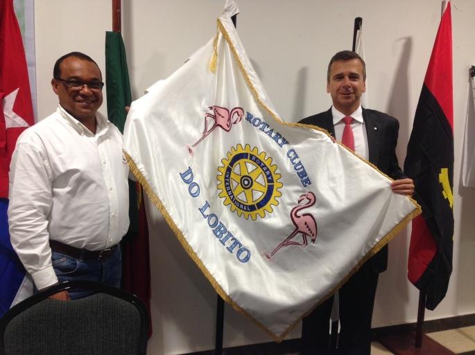 """Companheiro Rui Carneiro """" Rotary Club Lisboa -Estela """" a direita"""