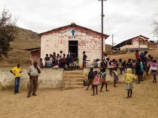 Biopio da Açucareira - projecto conjunto de abastecimento de agua potavel há cerca de 300 pessoas