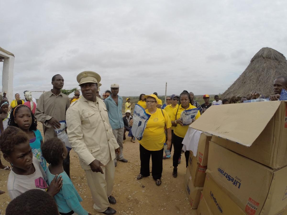Doação dos filtros de agua com auxilio do Soba